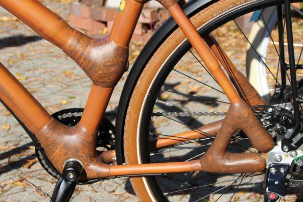 Eine Probefahrt mit unserem Bambus-Fahrrad
